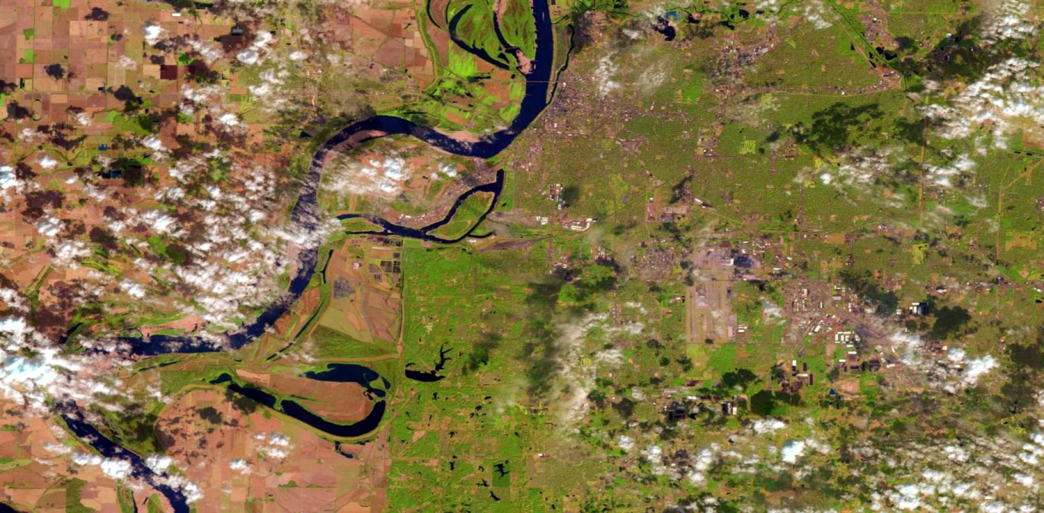 The Sparta-Memphis Sand Aquifer lies beneath Mississippi and Tennessee, land east of the Mississippi River that is shown in this Landsat image. Mississippi's lawsuit against Tennessee is the first lawsuit over a shared aquifer to be heard by the U.S. Supreme Court.