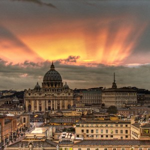 https://upload.wikimedia.org/wikipedia/commons/9/9e/Vatican_Sunset_-_Rome,_Italy_-_Easter_2008.jpg