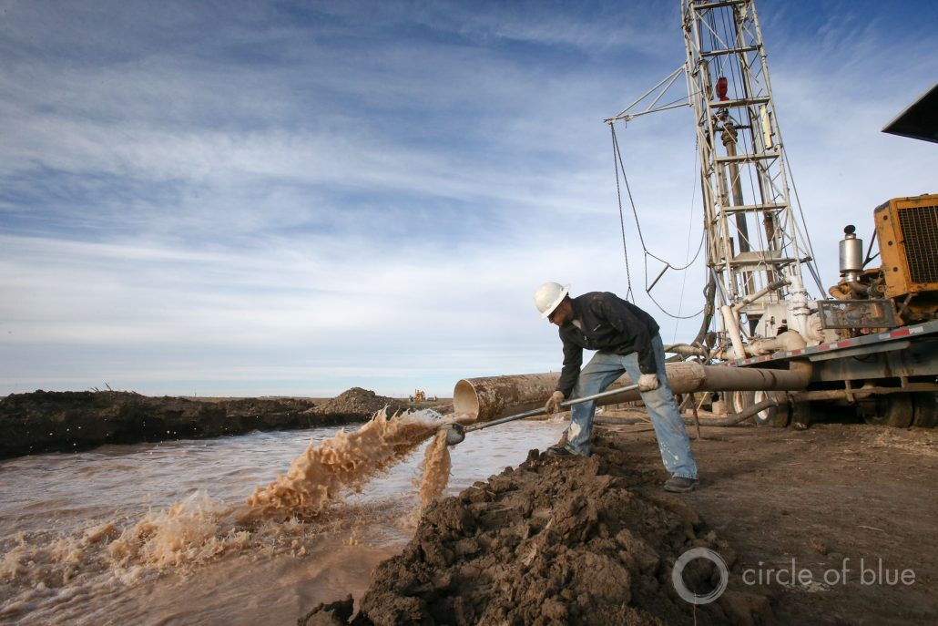 Well drillers for Hydro Resources drill a well near Sublette, Kansas. Photo © Brian Lehmann / Circle of Blue