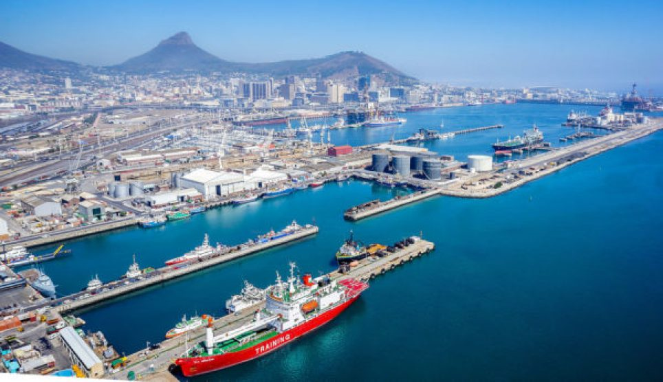 https://commons.wikimedia.org/wiki/File:Port_of_Cape_Town.jpg