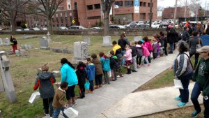 Circle of Hope hosts and egg hunt at Ridge Avenue