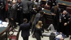 Parlamento nel caos