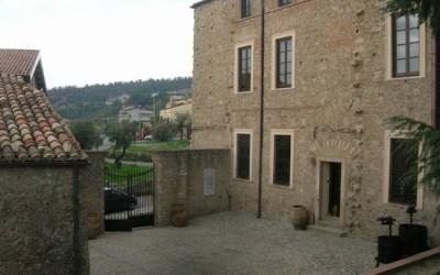 """""""Lettura con t(h)e"""". A Palazzo Verga, incontri letterari nelle giornate invernali."""