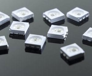 4 Pezzi WS2812S RGB SMD 5050 SOP 6 PIN LED con integrato controller DC 5V