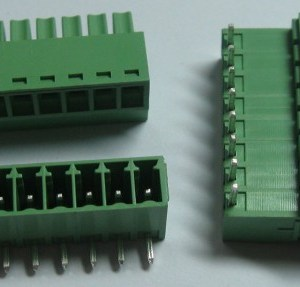 1 Pezzi Pitch 3.5/3.81mm Angle 8way/pin Morsetto a vite Block Connettore w/ Angle Pin Green Color Pluggable Type Skywalking