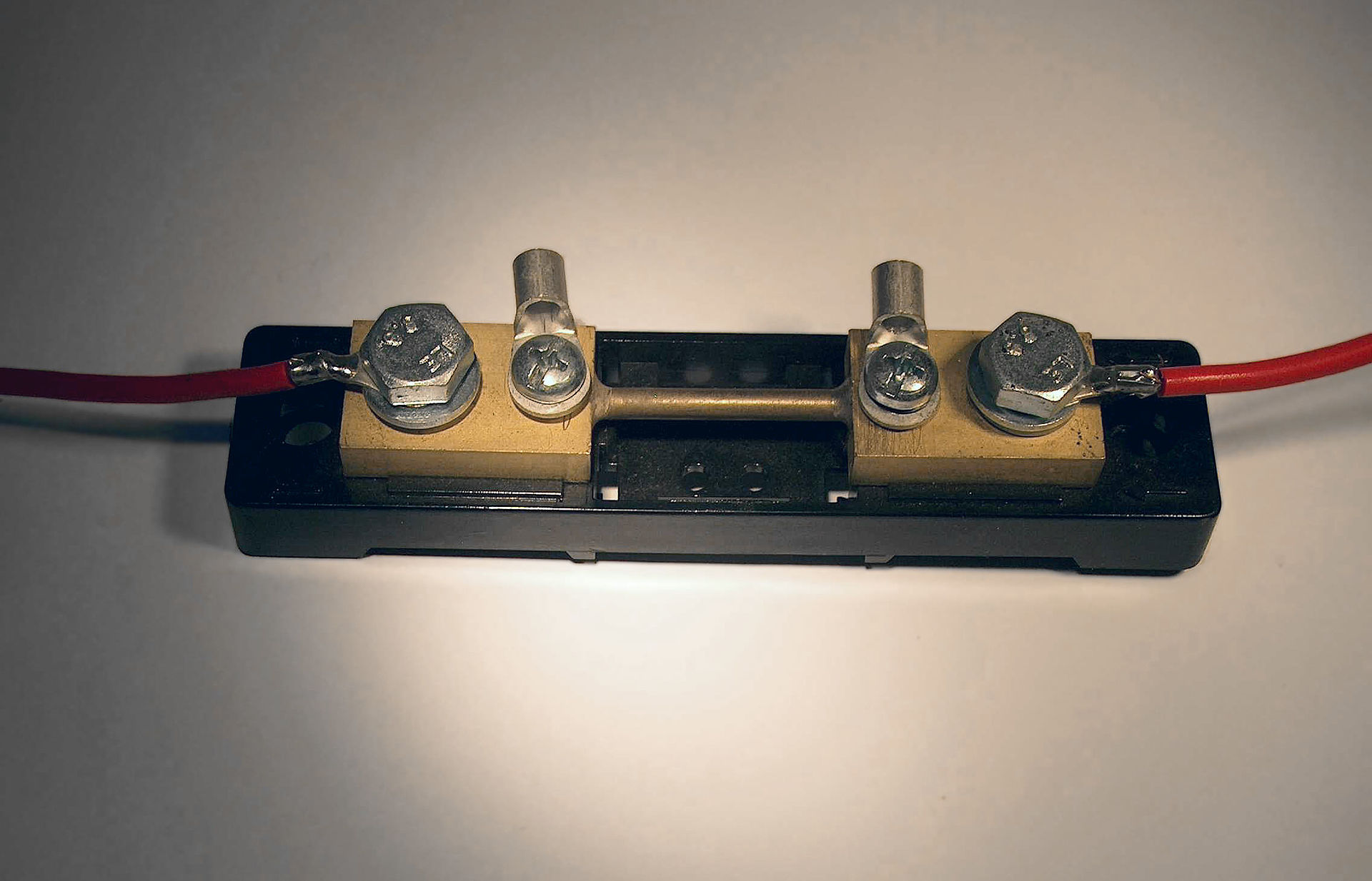 how to make a shunt current resistor