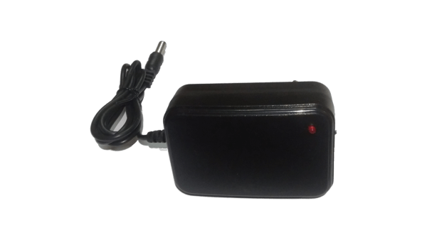 DC Power Adapter 12V 2A (Back)- CircuitUncle - But in India