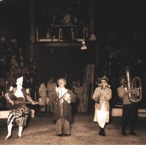 Freddy, Papa Bario, Henny et Nello, Bario - clowns vedettes