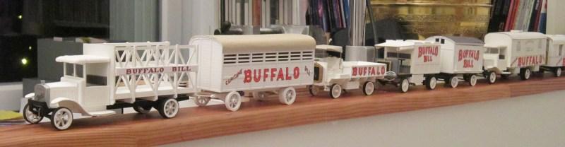 Véhicules du convoi capitaine buffalo - Maquettes de véhicules de cirque