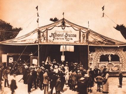 Le chapiteau des frères Knie en 1919