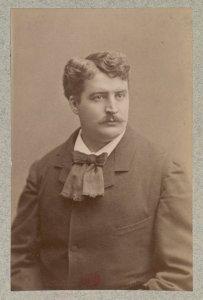 Raoul Donval - jeune directeur