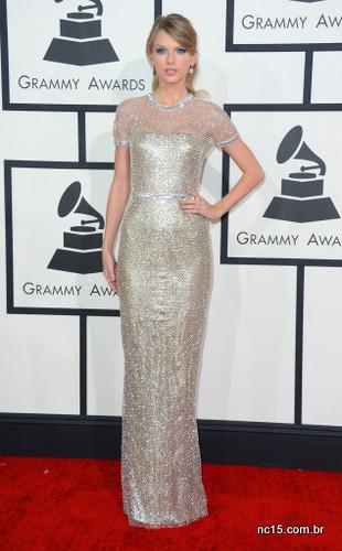 E a medalha de ouro ficou com Taylor Swift, linda da cabeça aos pés, com seu Gucci