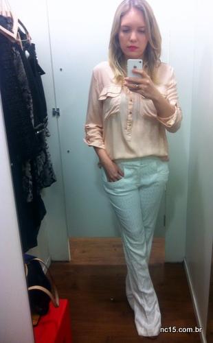 camisa e calça branca mob para c&a