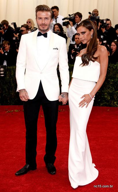 David Beckham de smoking branco no met ball 2014