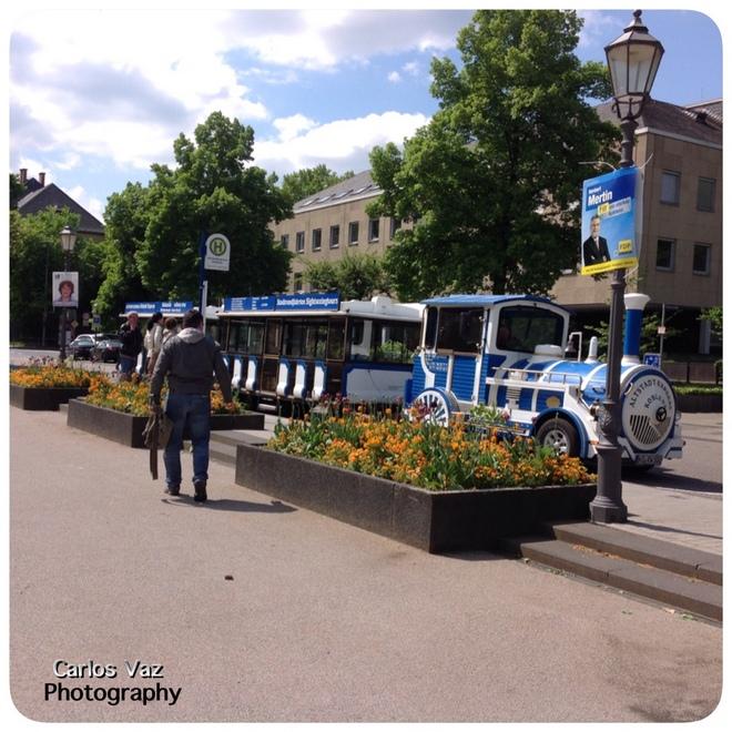 Esse trenzinho ajuda a conhecer AltesStadt,  cidade antiga, e custa apenas 5€ por 30 minutos de passeio