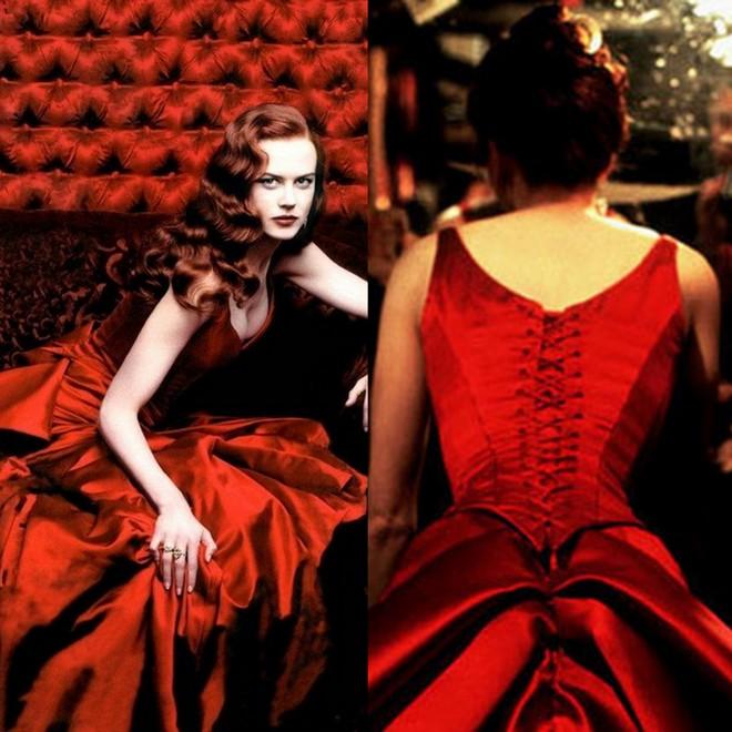 Nicole Kidman e seu sexy vestido vermelho em Moulin Rouge.