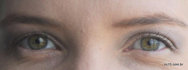Olhos com a máscara super filme. Cílios começam a aparecer...