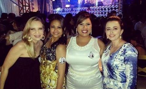 Com as amigas, Apoena, Elida e Odete