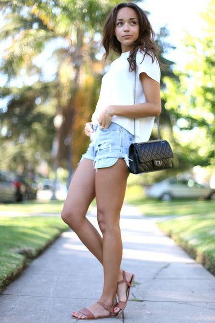 Shorts jeans com camiseta básica