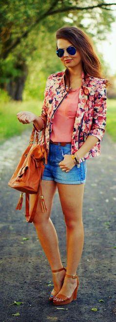 Shorts jeans com blazer florido