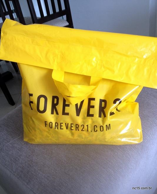 sacola amarela da Forever 21 com as minhas comprinhas