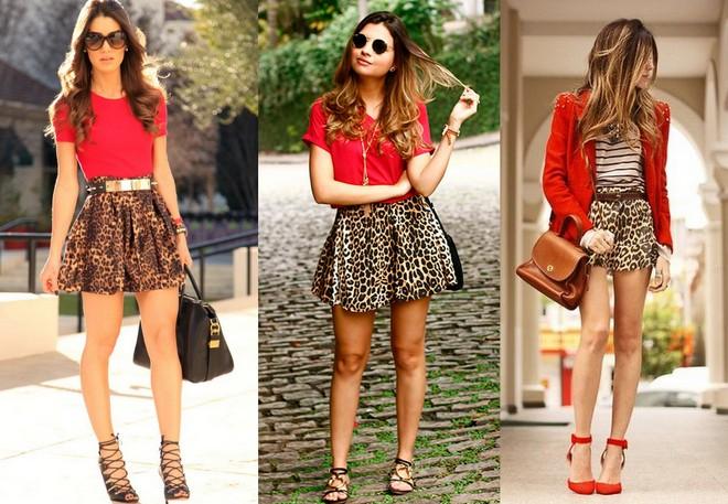 blusa vermelha combinada com minissaia de animal print