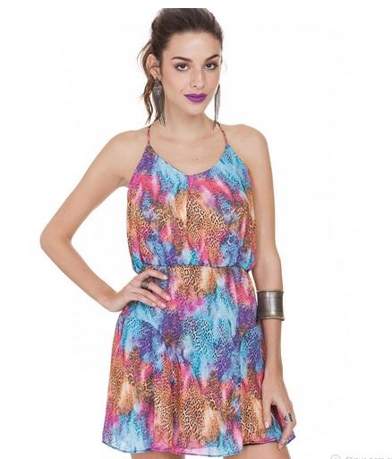 vestido de alcinha com estampa de animal print