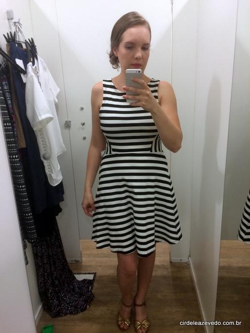 Vestido de linha listrado preto e branco