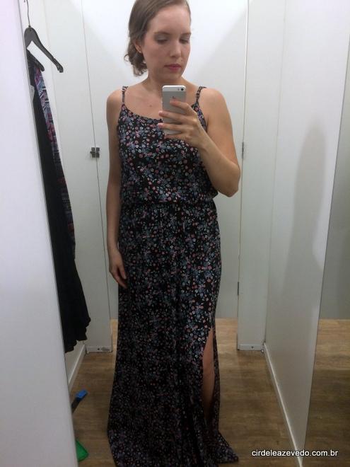 Vestido longo estampa floral com fenda