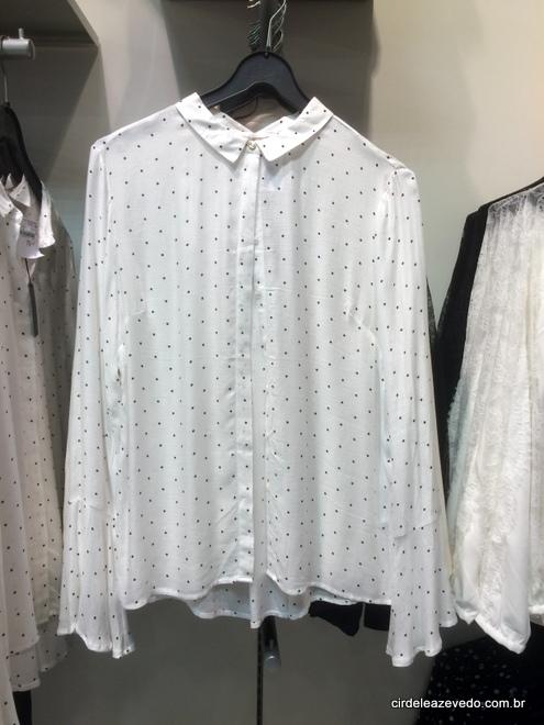 Camisa branca com mini piá preto