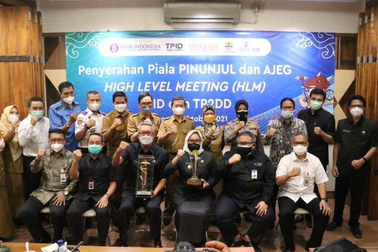 Pemda Kota Cirebon Raih Apresiasi PINUNJUL dan AJEG
