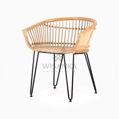 Kuga natural rattan wicker Dining Chair perspective