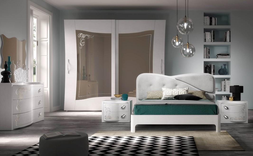 Privato ed è composta da un ampio soggiorno con angolo cottura, due camere da letto con accesso al giardino,. Camere Da Letto Zona Notte Napoli Cirella Arredamenti