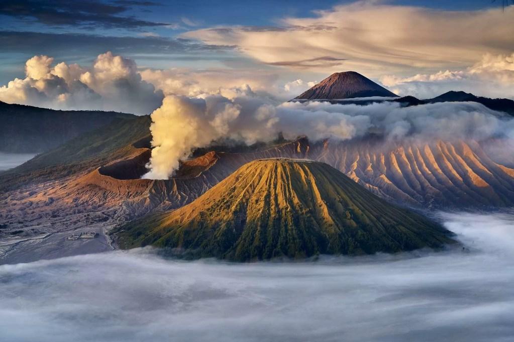 Pianeta Terra - Mount Bromo    © Kyaw Win Hlaing
