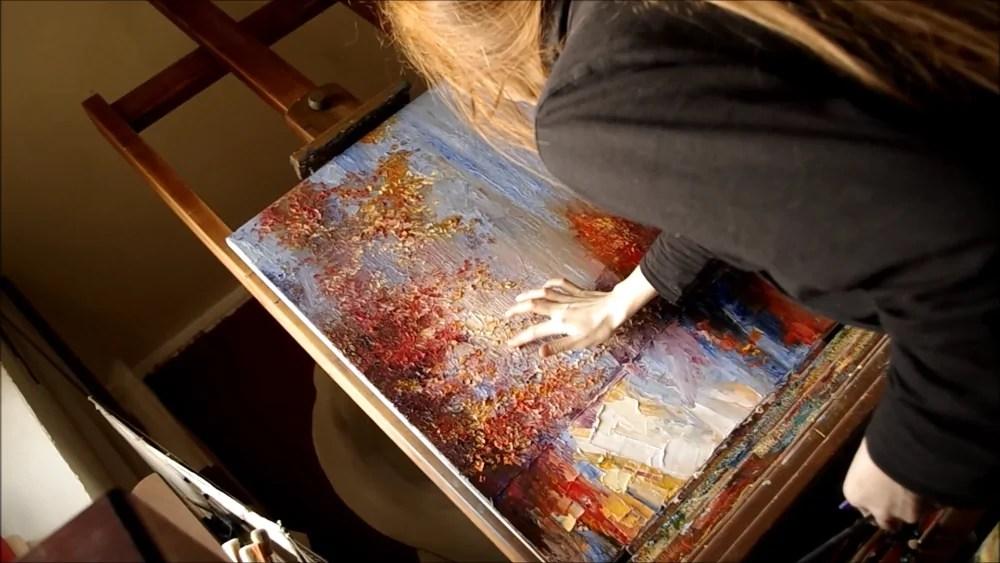Justyna Kopania nel suo atelier