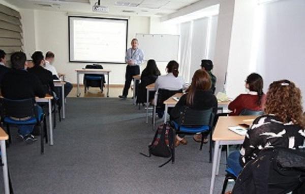 La ACHS capacita a alumnos de DUOC UC