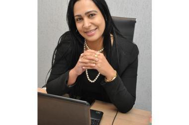 Diretora do SAMU parabeniza 10ºBPM pelo cinquentenário.