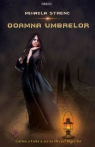 Doamna umbrelor – Mihaela Strenc