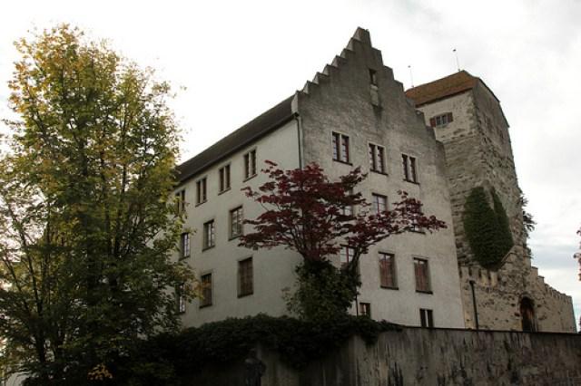 Замъкът Арбон