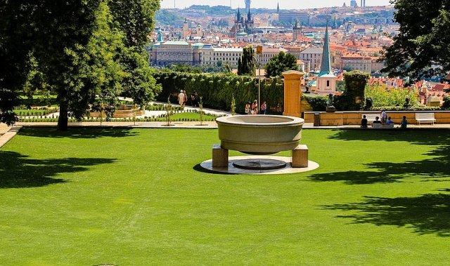 Кралската градина