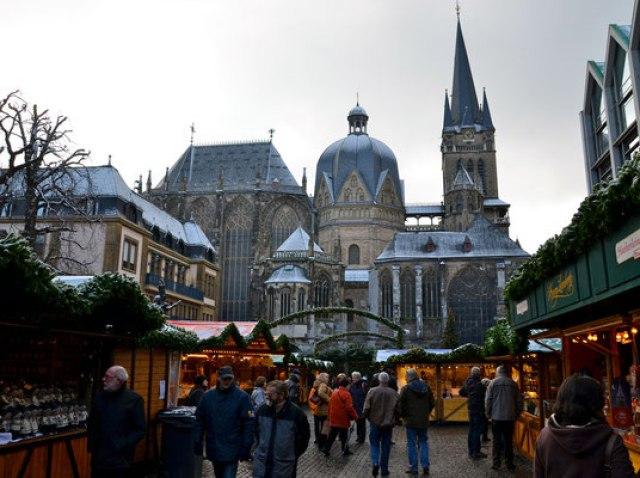 Коледният базар в Аахен