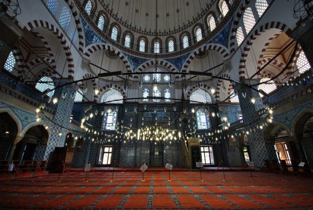 Джамията на Рюстем Паша