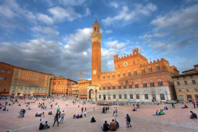 До Рим и Тоскана със самолет и автомобил
