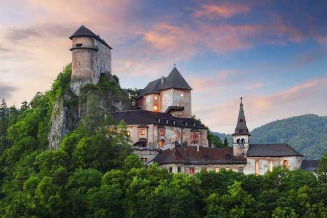 замъкът Орава