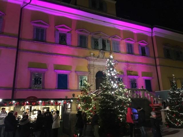 Коледният базар в двореца Хелбрун