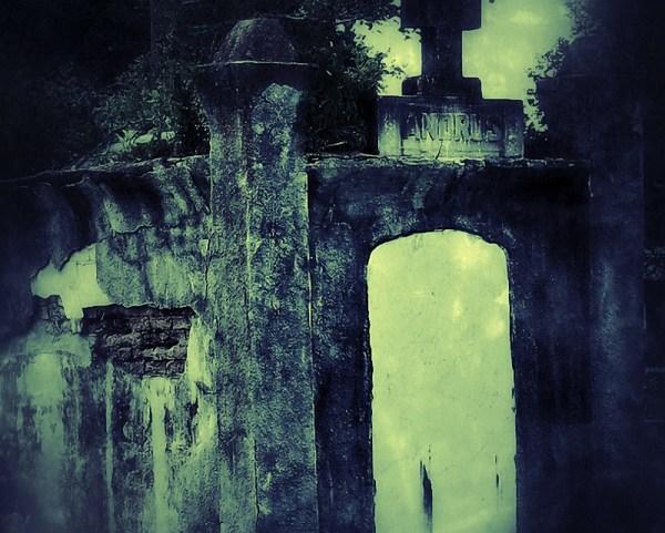 The family crypt of the Andrus Family ©Myron Ropp