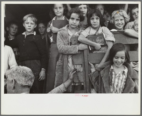 Ben Shahn – School Youngsters Red House, West Virginia, 1935 http://digitalcollections.nypl.org/items/0a794420-00af-0133-8437-58d385a7bbd0