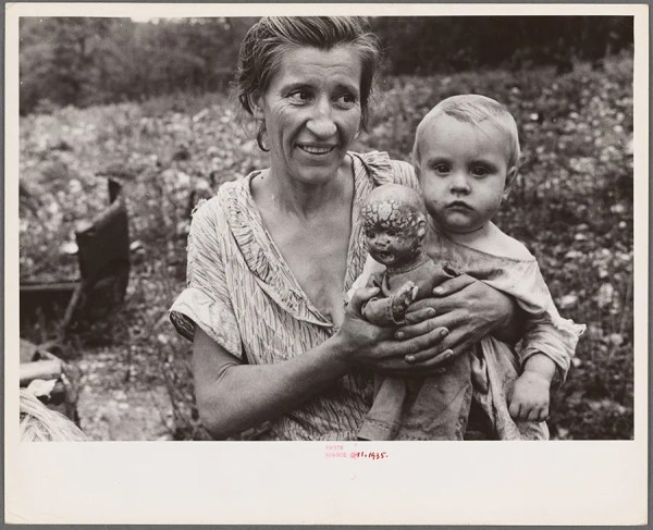 Ben Shahn - Wife and child of sharecropper, Arkansas – 1935 http://digitalcollections.nypl.org/items/a5235c90-da45-0132-4101-58d385a7b928