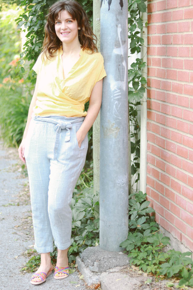 summer outfit, yellow and light blue, casual style