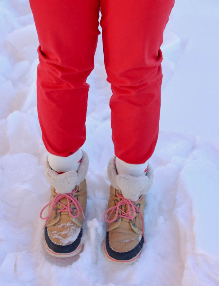 valentines day, red outfit, monochromatic, red style, red sweater, winter style, casual outfit, pregnant style, sorel boots